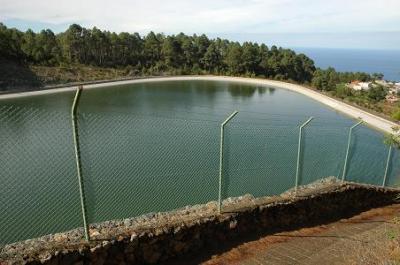 Agua partido verde icodense for Recuperar agua piscina verde